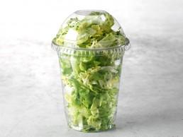 Grüner Salatbecher
