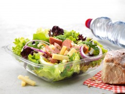Pouletwurst-Käse-Salat